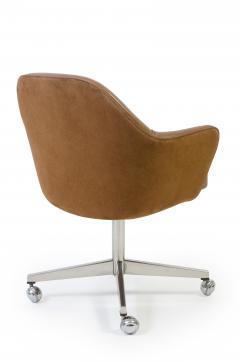 Eero Saarinen Knoll Desk Chair in Contrasting Saddle Leather Suede - 243186