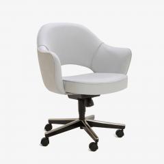Eero Saarinen Saarinen Executive Arm Chair in Fog Luxe Suede Swivel Base - 366920
