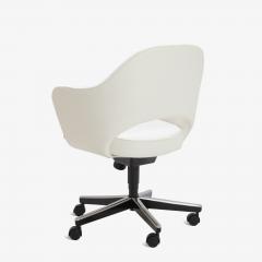 Eero Saarinen Saarinen Executive Arm Chair in Ivory Basket Weave Swivel Base - 367302