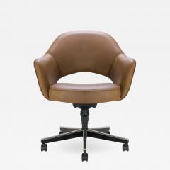 Eero Saarinen Saarinen Executive Arm Chair in Leather Swivel Base - 612482 & Eero Saarinen - Saarinen Executive Arm Chair in Leather Swivel Base