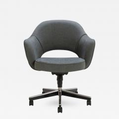 Eero Saarinen Saarinen Executive Arm Chair in Textured Charcoal Weave Swivel Base - 367958