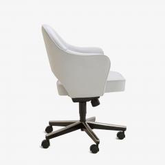 Eero Saarinen Saarinen Executive Arm Chairs in Fog Luxe Suede Swivel Base Set of 6 - 366926