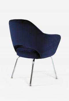 Eero Saarinen Saarinen Executive Armchairs in Navy Velvet - 244813