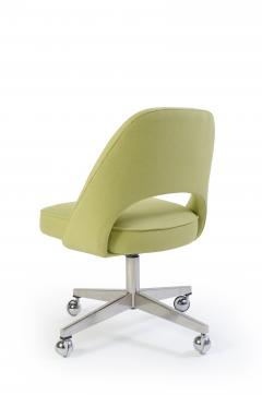 Eero Saarinen Saarinen Executive Armless Chair with Swivel Base in Green - 240152