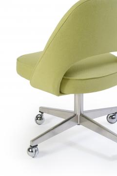Eero Saarinen Saarinen Executive Armless Chair with Swivel Base in Green - 240154