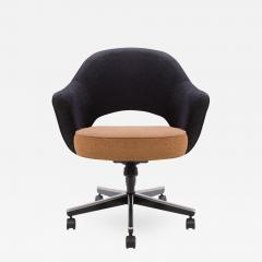 Wonderful Eero Saarinen Saarinen For Knoll Executive Armchair In Original Two Tone  Boucle Swivel Base   292038