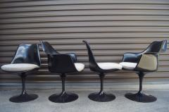 Eero Saarinen Set of Four Black Tulip Chairs by Eero Saarinen for Knoll - 983074
