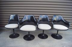 Eero Saarinen Set of Four Black Tulip Chairs by Eero Saarinen for Knoll - 983077
