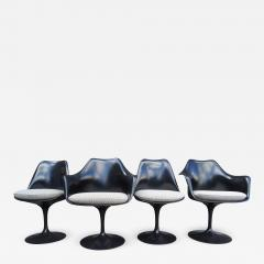 Eero Saarinen Set of Four Black Tulip Chairs by Eero Saarinen for Knoll - 989551