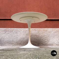 Eero Saarinen Tulip dining table by Eero Saarinen for knoll 1973 - 1927671