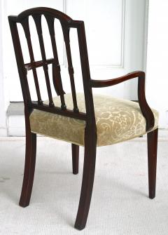 Eight American Hepplewhite Revival Dining Chairs - 1464348