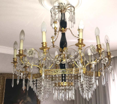 Elegant 19th Century Neoclassical Baltic Crystal and Gilt Bronze Chandelier - 1774925