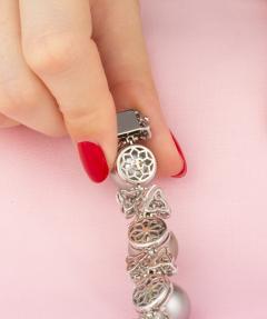 Ella Gafter Ella Gafter Black Tahitian Pearl and Diamond Bracelet - 1009699