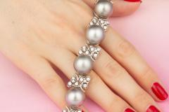 Ella Gafter Ella Gafter Black Tahitian Pearl and Diamond Bracelet - 1009700