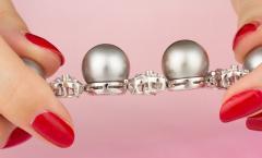 Ella Gafter Ella Gafter Black Tahitian Pearl and Diamond Bracelet - 1009704