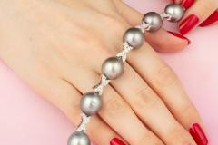 Ella Gafter Ella Gafter Black Tahitian Pearl and Diamond Bracelet - 1009754