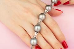 Ella Gafter Ella Gafter Black Tahitian Pearl and Diamond Bracelet - 1009755