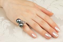 Ella Gafter Ella Gafter Black Tahitian Pearl and Diamond Ring - 1100119