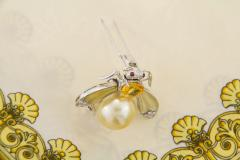 Ella Gafter Ella Gafter Golden Pearl Diamonds Bee Brooch Pin with Yellow Sapphire - 1042549