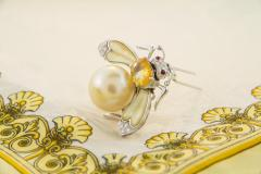 Ella Gafter Ella Gafter Golden Pearl Diamonds Bee Brooch Pin with Yellow Sapphire - 1042550