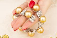 Ella Gafter Ella Gafter Golden South Sea Pearl and Diamond Bracelet - 1009671