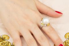Ella Gafter Ella Gafter South Sea Pearl Yellow Sapphire Diamond Cocktail Ring - 1113837
