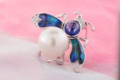 Ella Gafter Ella Gafter White South Sea Pearl Diamond Bee Brooch Pin with Blue Sapphire - 1042496