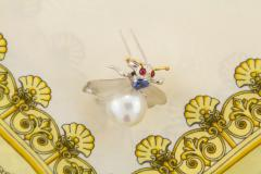 Ella Gafter Ella Gafter White South Sea Pearl Diamond Bee Brooch Pin with Blue Sapphire - 1042502
