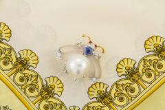 Ella Gafter Ella Gafter White South Sea Pearl Diamond Bee Brooch Pin with Blue Sapphire - 1042504