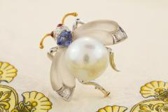 Ella Gafter Ella Gafter White South Sea Pearl Diamond Bee Brooch Pin with Blue Sapphire - 1042506