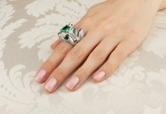 Ella Gafter Ella Gafter Zodiac Leo Ring with Emerald and Diamonds - 1021308