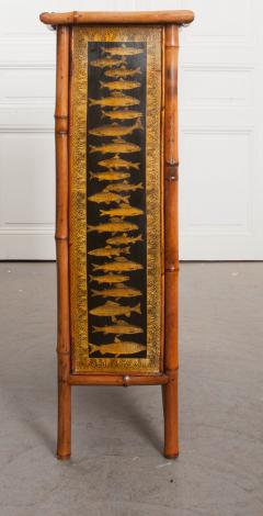 English 19th Century Bamboo and D coupage Fish Bookcase - 1099529