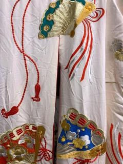 Exceptional Embroidered Vintage Japanese Ceremonial Kimono - 1206977