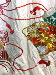 Exceptional Embroidered Vintage Japanese Ceremonial Kimono - 1206992