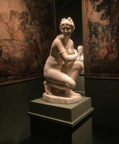 Extraordinary Italian 19th Century Marble Statue of Aphrodite - 632485