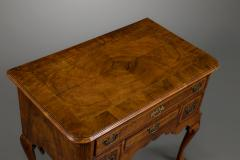 Fine George I Walnut Lowboy - 752734