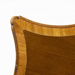 Fine George III Figured Mahogany Serpentine Commode Attributed to Henry Hill - 1153242