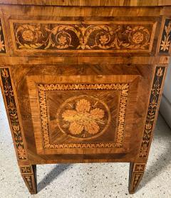 Fine Italian Neoclassic Walnut and Lemonwood Inlaid Commode Guiseppe Maggiolini - 1651125