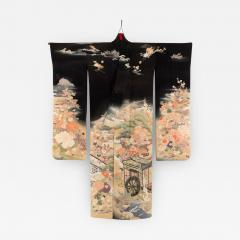 Fine Japanese Formal Black Silk Kimono with Yuzen Design - 1541353