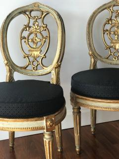Fine Set of Eight Italian Painted and Parcel Gilt Chairs Tuscany 18th Century - 632759