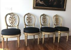 Fine Set of Eight Italian Painted and Parcel Gilt Chairs Tuscany 18th Century - 632763