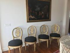 Fine Set of Eight Italian Painted and Parcel Gilt Chairs Tuscany 18th Century - 632764