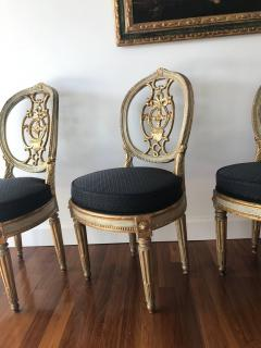 Fine Set of Eight Italian Painted and Parcel Gilt Chairs Tuscany 18th Century - 632765