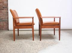 Finn Juhl Pair of Finn Juhl Diplomat Armchairs for France Son in Leather and Teak - 892136