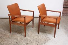 Finn Juhl Pair of Finn Juhl Diplomat Armchairs for France Son in Leather and Teak - 892139