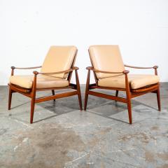 Finn Juhl Pair of Finn Juhl Spade Chairs - 1702331