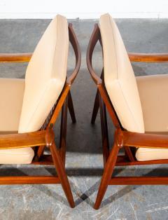 Finn Juhl Pair of Finn Juhl Spade Chairs - 1702635