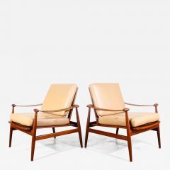 Finn Juhl Pair of Finn Juhl Spade Chairs - 1704911