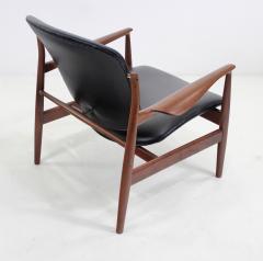 Finn Juhl Pair of Illusive Scandinavian Modern Armchairs Designed by Finn Juhl - 998372