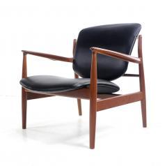 Finn Juhl Pair of Illusive Scandinavian Modern Armchairs Designed by Finn Juhl - 998374